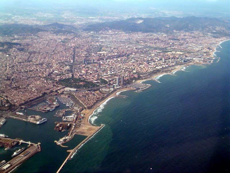 Барселона с высоты птичьего полёта, из окна Боинга то есть ;-)